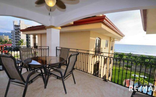 Tres Regalos 2-bedroom Oceanfront Condo