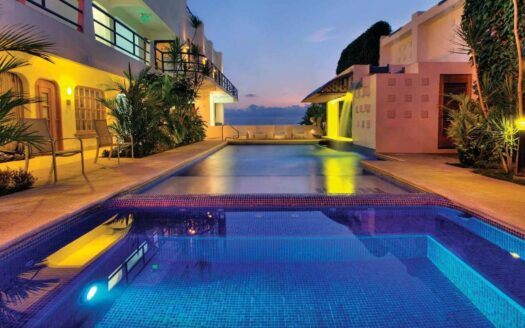 17 Room State-of-the-Art Jaco Beachfront Hotel with Restaurant